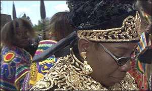 Жена Боба Марли на похоронах Селассие